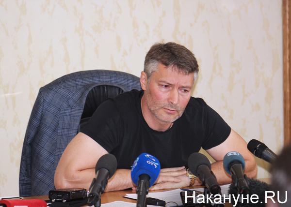 СМИ: Холманских попросил Ройзмана не участвовать в выборах губернатора