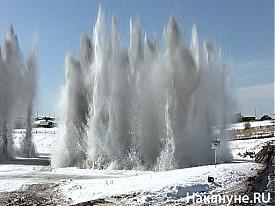 Подрыв льда на реке|Фото: Накануне.RU