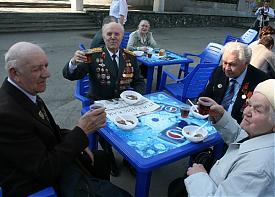 ветераны встреча День победы застолье пенсионеры|Фото: УВД Екатеринбурга