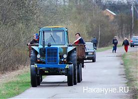 трактор деревня Фото: Накануне.RU
