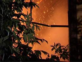 пожар барак библиотечная нежилой пожарные мчс|Фото: sowa-tv.ru