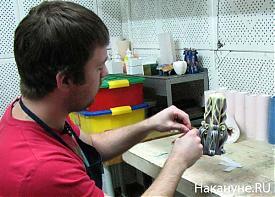 Уральская свечная фабрика Михаил Попов мастер свеча резная декоративная|Фото: Накануне.RU