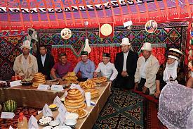 федеральный сабантуй 2011 мишарин хамитов минниханов|Фото:ДИП губернатора Свердловской области
