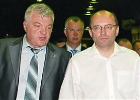 исполнительный директор УВЗ Владимир Рощупкин губернатор Александр Мишарин|Фото: УВЗ