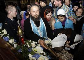 свято-троицкий собор, пояс божьей матери, паломники|Фото: orthodox-newspaper.ru