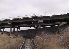 дтп невьянск, фура вылетела с моста|Фото: ugibddso.ru