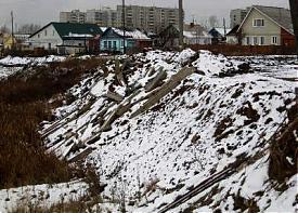 бордюры, река Фото: prokuratura.ur.ru