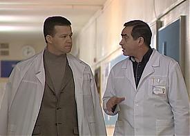 сметанюк сергей навещает александра мишарина в больнице|