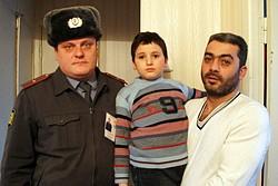 полицейский спасение ребенка|Фото:justmedia.ru