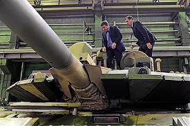 Полпред Президента РФ Евгений Куйвашев посетил головное предприятие корпорации «УВЗ»|Фото: uvz.ru