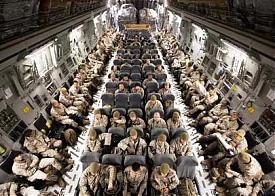 сша нато альянс военная авиация гуманитарный груз афганистан самолет Фото: