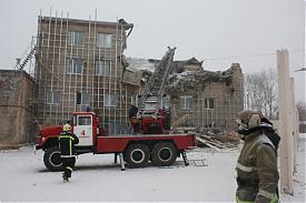 Челябинск обрушение здания по улице Сурикова|Фото: 74.mchs.gov.ru