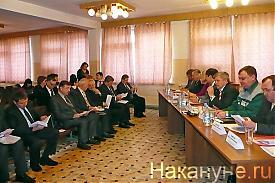 выездное заседание комитета курганской облдумы КАВЗ Фото: Накануне.RU