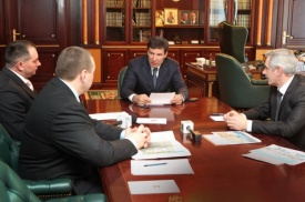 Михаил Юревич и главы|Фото:gubernator74.ru