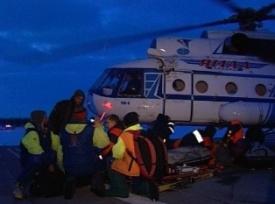 мчс, спасатели, вертолет ми-8, дрейфующие на льдине|Фото: 89.mchs.gov.ru