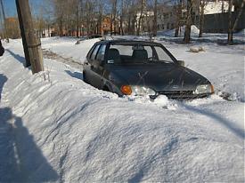 угон ВАЗ-2114 сугроб|Фото: пресс-служба УГИБДД Свердловской области