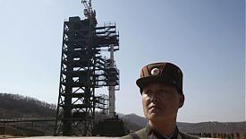 Северная Корея КНДР спутник ракета солдат |Фото: gdb.rferl.org