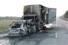 грузовик легковушка ДТП|Фото: пресс-служба УГИБДД Свердловской области