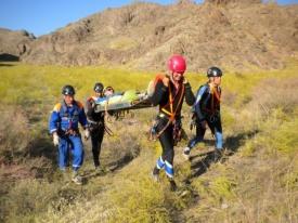 соревнования спасателей кавказ перенос пострадавшего носилки|Фото: 86.mchs.gov.ru