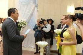 глава ханты-мансийска василий филипенко свадьба 430 пара|Фото: www.admhmansy.ru