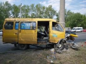 Челябинск маршрутка столб ДТП|Фото:ГИБДД Челябинска