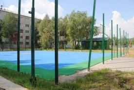 нефтеюганск школа футбольное поле с икусственным покрытием ремонт|Фото: www.admugansk.ru