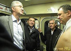 открытие станции метро Чкаловская, Куйвашев, Якоб в вагоне Фото: Накануне.RU