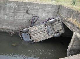 ДТП мост ВАЗ-2112|Фото: пресс-служба УГИБДД Свердловской области