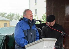 Краснотурьинск митинг в защиту БАЗа заместитель министра промышленности Свердловской области Валерий Турлаев|Фото: Накануне.RU