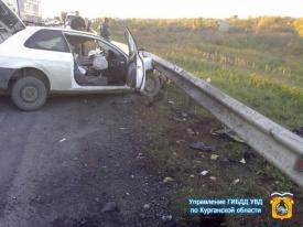 Тойота врезалась в КАМАЗ, трасса Байкал, Курган Фото: http://45.gibdd.ru