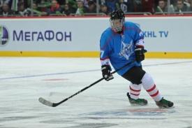 Михаил Юревич хоккей|Фото:gubernator74.ru