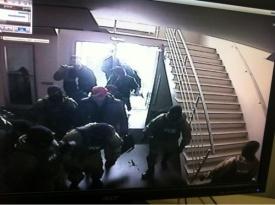 ФСБ обыски Макфа Челябинск|Фото:vadimbelousov.livejournal.com