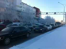 пробка автомобили центр нижневартовск|Фото: twitter.com/lobov_a