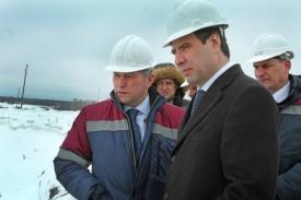 Михаил Юревич на фабрике золота Фото:gubernator74.ru