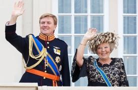 Виллем-Александр, король Нидерландов, Беатрикс|Фото:dni.ru