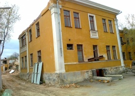 здание сталинской неоклассики, 8 Марта, 78|Фото: олег букин
