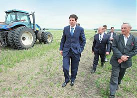 Юревич сельское хозяйство трактор|Фото: gubernator74.ru