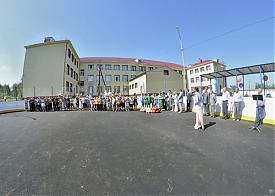 Юревич корт открытие Фото: gubernator74.ru