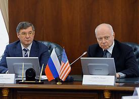 Владимир Якушев, встреча с делегацией американской торговой палаты|Фото: phototyumen.ru