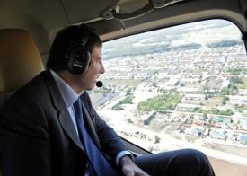 Юревич на вертолете|Фото:gubernator74.ru