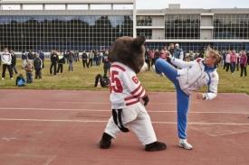 Анастасия Барышникова челябинская чемпионка по тхэквондо медведь Фото: pravmin74.ru