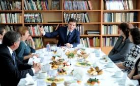 Юревич учителя встреча|Фото: gubernator74.ru