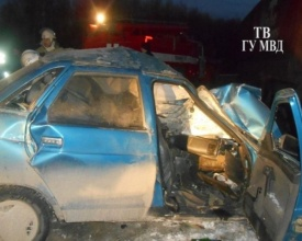 ДТП, трасса Пермь-Екатеринбург, грузовик Volvo, легковушка|Фото:66.mvd.ru