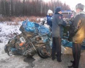 ДТП, трасса Пермь-Екатеринбург, грузовик Volvo, легковушка|Фото: