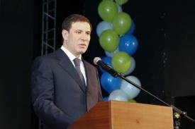 Михаил Юревич шары выступление|Фото: gubernator74.ru