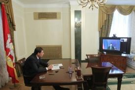 Юревич видеоконференция Медведев|Фото: gubernator74.ru