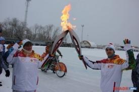 Эстафета Олимпийского огня, факел, Шадринск|Фото: foto.shadr.info