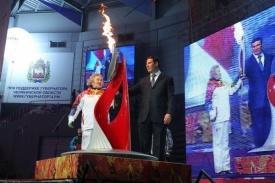 Юревич, Скобликова, факел|Фото: gubernator74.ru