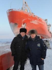 Дмитрий Кобылкин и Владимир Якушев в порту Сабетта|Фото: пресс-служба губернатора Тюменской области