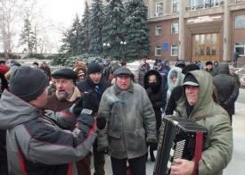 Титушки, Майдан Фото: http://emelamud.livejournal.com/75230.html